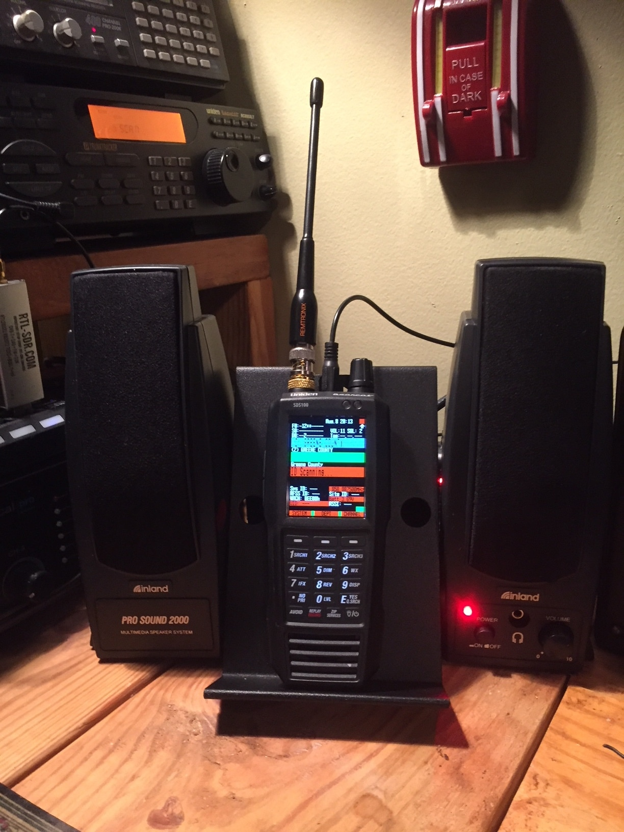 Uniden SDS100 with speakers